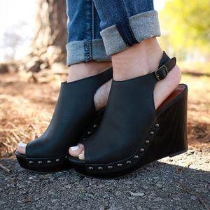 LUCKY BRAND EUC Larae Wedges Leather Peep Toe